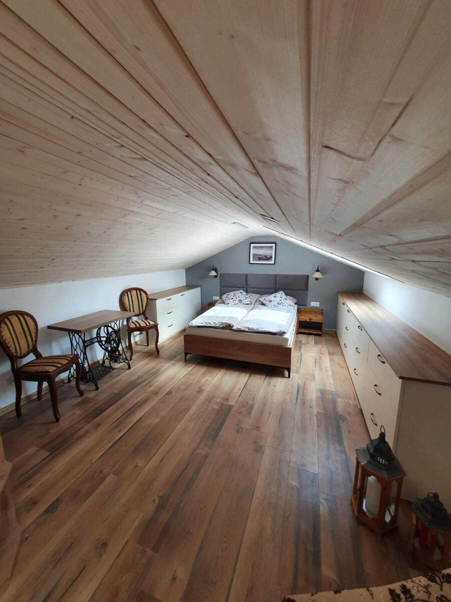beedroom in cottage
